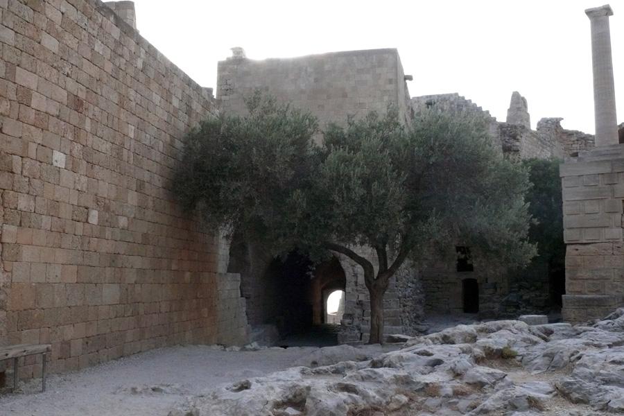 Линдос, крепостные стены замка