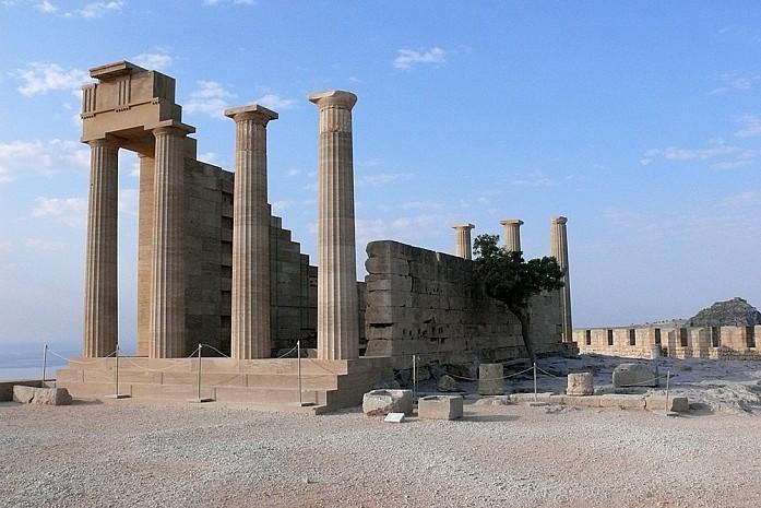 Античный храм, акрополь в Линдосе