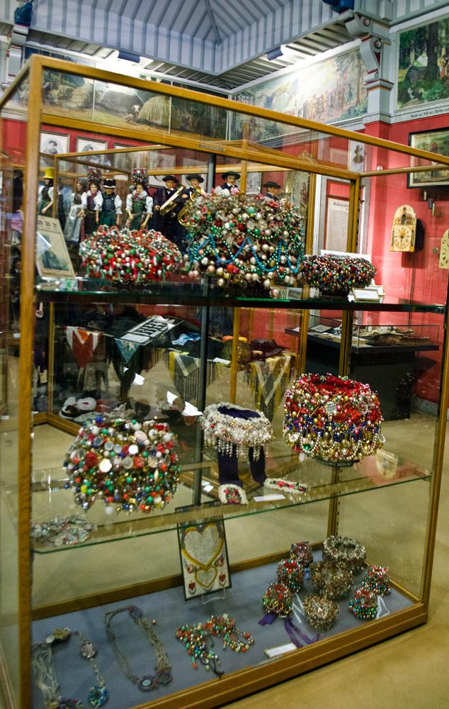 Шеппель, традиционный головной убор Шварцвальда
