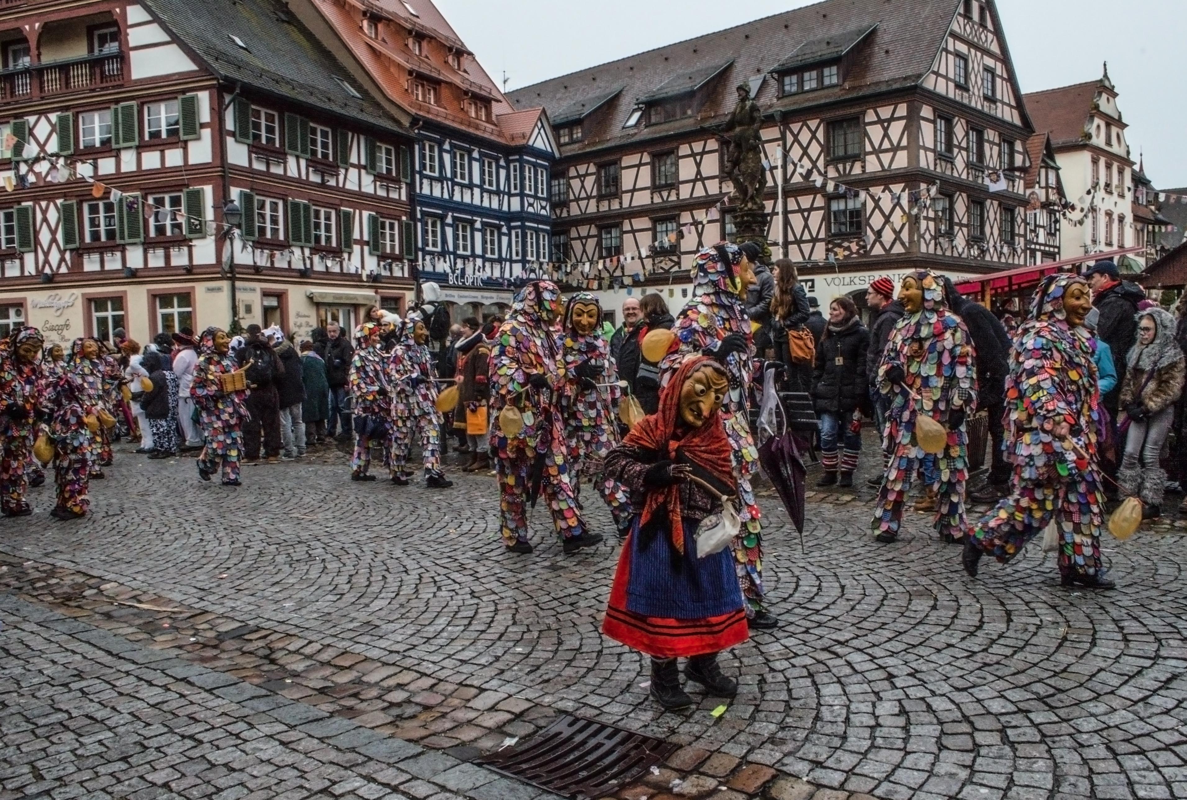 Традиционные маски Генгенбаха. Гексен и Шпетлехэнзель